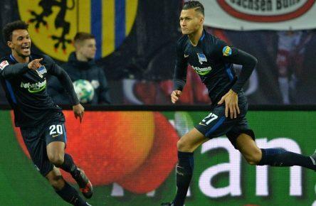 Valentino Lazaro und Davie Selke jubeln bei Herthas Sieg gegen RB Leipzig