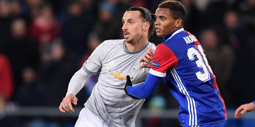 Manuel Akanji (r.) traf in der CL auf Zlatan Ibrahimovic.