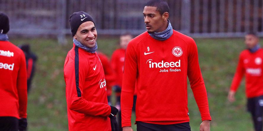 Omar Mascarell (l.) und Sebastien Haller wollen mit der Eintracht nach Europa.