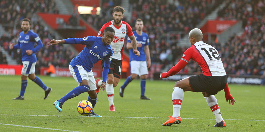 Ademola Lookman kommt auf Leihbasis vom FC Everton.