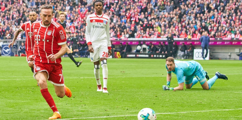 Franck Ribery trifft gegen den Hamburger SV