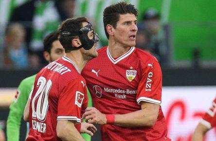 Christian Gentner und Mario Gomez vom VfB Stuttgart