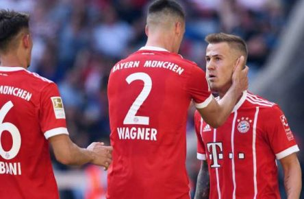 Niklas Dorsch (r.) traf bei seinem Debüt den FC Bayern