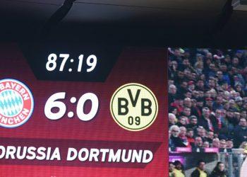 Der FC Bayern besiegte den BVB klar.