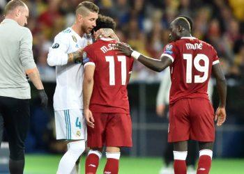 Ein Bild dieses denkwürdigen CL-Finals: Sergio Ramos trötet Mo Salah.