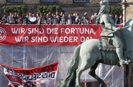 Fortuna Düsseldorf stieg als Tabellenführer in die Bundesliga auf
