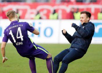 Zurücklehnen ist nicht: Pascal Köpke ist jetzt ein Bundesligaspieler!