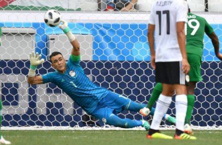 Krass, Alter! Essam El Hadary hält mit 45 noch Elfmeter!