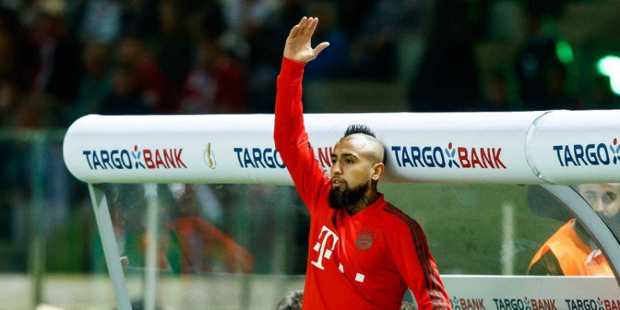 """""""Hier bin ich!"""" Bayerns Arturo Vidal ist sich der Aufmerksamkeit der Interessenten bewusst."""