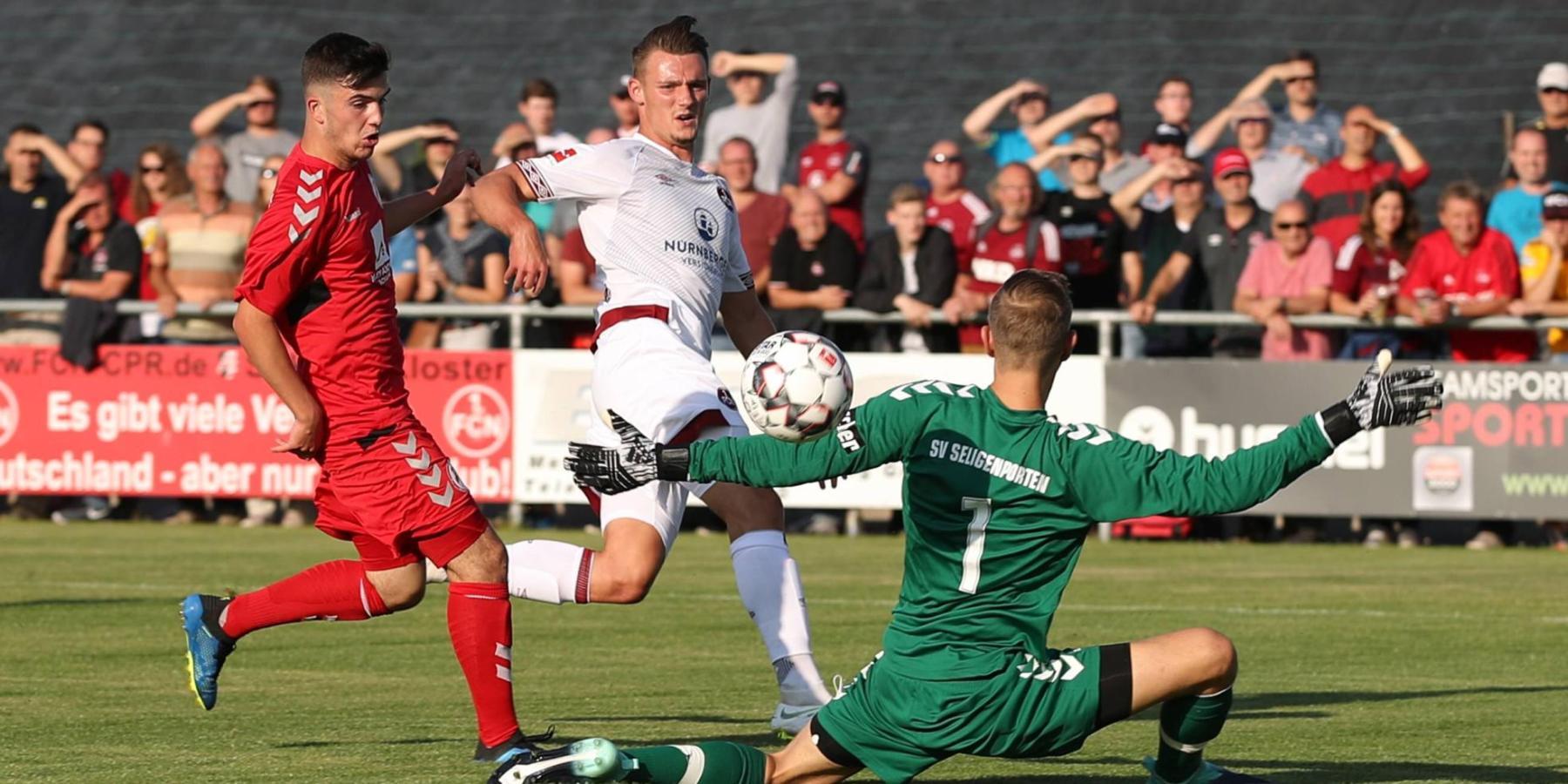 Törles Knöll trifft für den 1. FC Nürnberg
