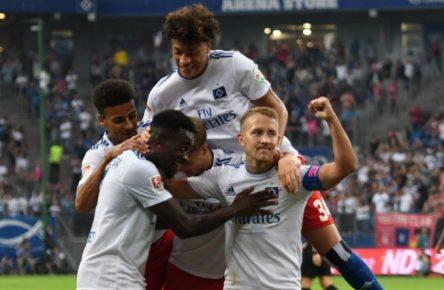 Da muss der HSV erst absteigen, um mal gegen die Bayern in Führung zu gehen...