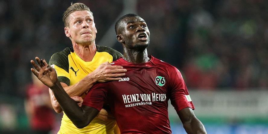 Flops mit Perspektive? Unterschiedliche Vorzeichen bei Dortmunds Piszczek und Hannovers Bebou
