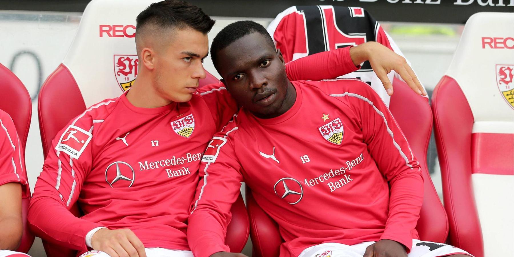 Chadrac Akolo und Erik Thommy vom VfB Stuttgart