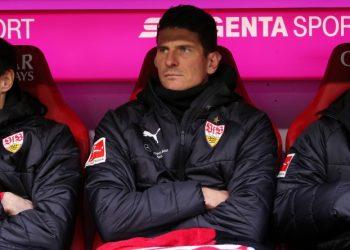 Mario Gomez saß gegen den FC Bayern München nur auf der Bank.