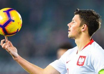 Kann am Ball offensichtlich einiges: Fortunas Neuer, Dawid Kownacki