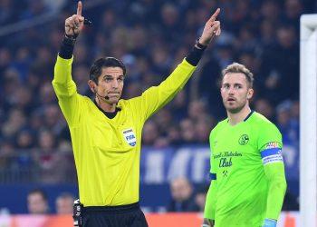 VAR: Ist der Videobeweis Fluch oder Segen für den Fußball?