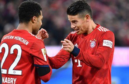 Torjubel Serge GNABRY (FC Bayern Muenchen,li) mit James RODRIGUEZ (Bayern Muenchen) nach Tor zum 3-1, Jubel,Freude,Begeisterung, Aktion, Fussball 1. Bundesliga, 21.Spieltag,Spieltag21, FC Bayern Muenchen M) - FC Schalke 04 (GE) 3-1, am 09.02.2019 in Muenchen A L L I A N Z A R E N A, DFL REGULATIONS PROHIBIT ANY USE OF PHOTOGRAPHS AS IMAGE SEQUENCES AND/OR QUASI-VIDEO. *** Goal celebration Serge GNABRY FC Bayern Muenchen li with James RODRIGUEZ Bayern Muenchen after goal to 3 1 Jubel Freude Begeisterung Aktion Fussball 1 Bundesliga 21 Spieltag Spieltag21 FC Bayern Muenchen M FC Schalke 04 GE 3 1 09 02 2019 in Munich A L L I A N Z A R E N A DFL REGULATIONS PROHIBIT ANY USE OF PHOTOGRAPHS AS IMAGE SEQUENCES AND OR QUASI VIDEO