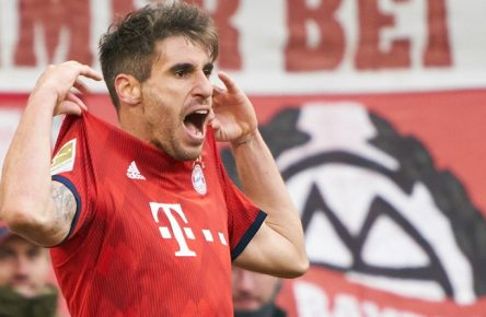 Javi MARTINEZ, FCB 8 celebrates his goal for 1-0 , happy, laugh, celebration, FC BAYERN MUNICH - HERTHA BSC BERLIN 1-0 - DFL REGULATIONS PROHIBIT ANY USE OF PHOTOGRAPHS as IMAGE SEQUENCES and/or QUASI-VIDEO - 1.German Soccer League , Munich, February 23, 2019 Season 2018/2019, matchday 23, FCB, München, Photographer: Peter Schatz