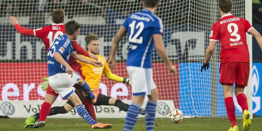 Klaas-Jan Huntelaar traf gegen Mainz 05 drei Mal.