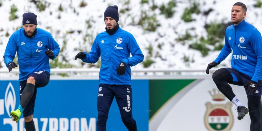 Guido Burgstaller (l.) könnte dem FC Schalke bald wieder zur Verfügung stehen.