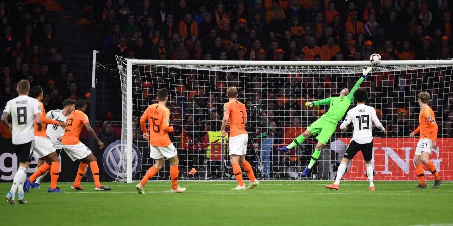 Serge Gnabry erzielte eine Traumtor gegen die Niederlande.