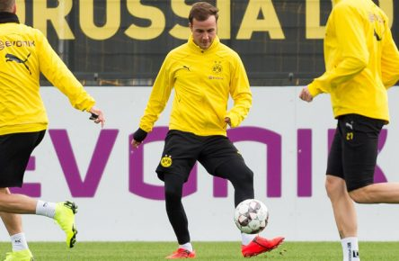 Dortmund, Germany, 12.03.2019, 1. Bundesliga, Training BV Borussia Dortmund, Mario Goetze (BVB) in aktion, controls the ball ( DeFodi001 *** Dortmund Germany 12 03 2019 1 Bundesliga Training BV Borussia Dortmund Mario Goetze BVB in action controls the ball DeFodi001