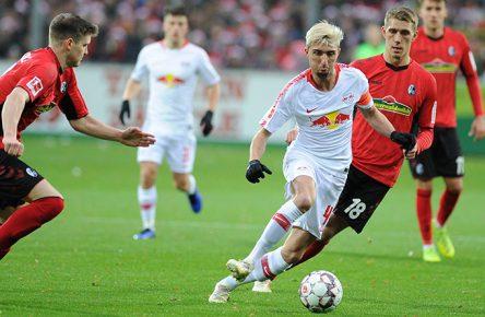 Lukas Kuebler (SC Freiburg) Kevin Kampl (RB Leipzig) Nils Petersen (SC Freiburg)