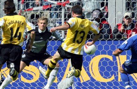 Alex Frei schockte Schalke 04 am 33. Spieltag in der Saison 2006/2007.