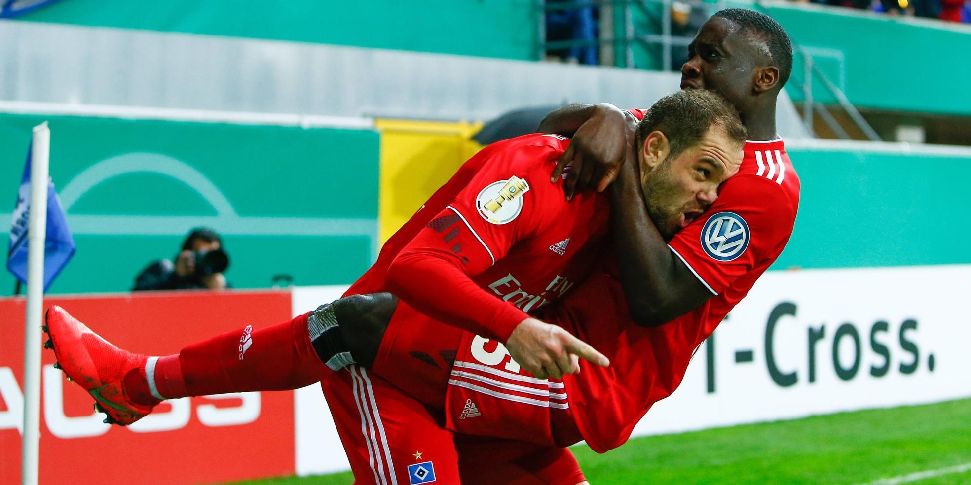 Pierre-Michael Lasogga und Orel Mangala vom HSV