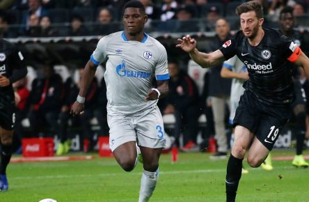 Breel Embolo (36, Schalke 04), David Abraham (19, Eintracht Frankfurt) Fussball, 1. Bundesliga: Eintracht Frankfurt - FC Schalke 04, 11. Spieltag am 11.11.2018 in der Commerzbank Arena Frankfurt, xmdx, sge, s04, ** Gemäß den Vorgaben der DFL Deutsche Fußball Liga ist es untersagt, in dem Stadion und/oder vom Spiel angefertigte Fotoaufnahmen in Form von Sequenzbildern und/oder videoähnlichen Fotostrecken zu verwerten bzw. verwerten zu lassen. // DFL regulations prohibit any use of photographs as image sequences and/or quasi-video. ** Eintracht Frankfurt - FC Schalke 04 *** Breel Embolo 36 Schalke 04 David Abraham 19 Eintracht Frankfurt Football 1 Bundesliga Eintracht Frankfurt FC Schalke 04 11 Matchday on 11 11 2018 at the Commerzbank Arena Frankfurt xmdx sge s04 According to the DFL Deutsche Fußball Liga it is prohibited in the to utilize or have utilize photographs taken in the stadium and/or the match in the form of sequence images and/or video-like photo sequences DFL regulations prohibit any use of photographs as image sequences and or quasi video Eintracht Frankfurt FC Schalke 04
