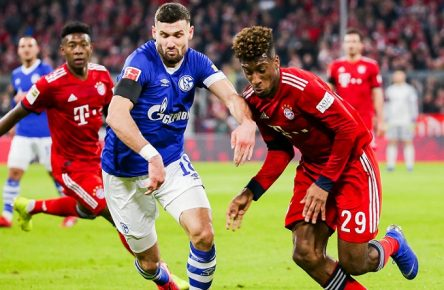 v. li. im Zweikampf ?Daniel Caligiuri (FC Schalke 04) und Kingsley Coman (FC Bayern Muenchen) // DFL regulations prohibit any use of photographs as image sequences and/or quasi-video. // GER, Fussball, 1. Bundesliga, FC Bayern Muenchen - FC Schalke 04, 09.02.2019 Muenchen *** v li in duel Daniel Caligiuri FC Schalke 04 and Kingsley Coman FC Bayern Muenchen DFL regulations prohibit any use of photographs as image sequences and or quasi video GER Fussball 1 Bundesliga FC Bayern Muenchen FC Schalke 04 09 02 2019 Muenchen Copyright: xEIBNER/TomxWellerx EP_eer