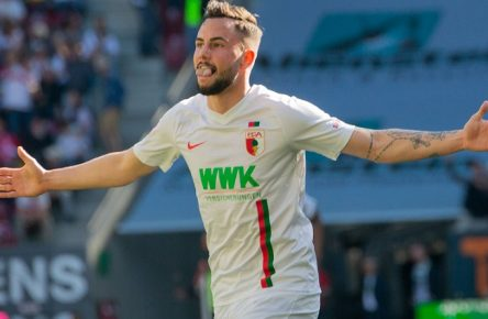 Marco RICHTER ( 23, A) nach seinem Tor zum 6:0. Fussball, FC Augsburg (A) - VfB Stuttgart (S), Bundesliga, 30.Spieltag, Saison 2018/2019, am 20.04.2019 in Augsburg / W W K A R E N A / Deutschland. Redaktionshinweis: DFL regulations prohibit any use of photographs as image sequences and/or quasi-video. Â *** Marco RICHTER 23 A after his goal to 6 0 football FC Augsburg A VfB Stuttgart S Bundesliga 30 matchday season 2018 2019 on 20 04 2019 in Augsburg W W K A R E N A Germany Editorial DFL regulations prohibit any use of photographs as image sequences and or quasi video Â