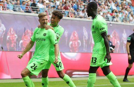 Füllkrug Maina Bebou Hannover 96 Bundesliga Cropped