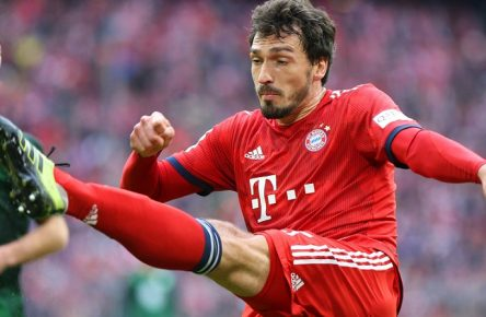 Bayern vs VfL, 1. BL München, 09.03.2019, FUßBALL - FC Bayern München vs VfL Wolfsburg, 1. BL, Saison 2018/19, Allianz Arena. Bild zeigt: Mats Hummels (FC Bayern München) DFL REGULATIONS PROHIBIT ANY USE OF PHOTOGRAPHS AS IMAGE SEQUENCES AND/OR QUASI-VIDEO. München *** Bayern vs VfL 1 BL Munich 09 03 2019 FOOTBALL FC Bayern Munich vs VfL Wolfsburg 1 BL Season 2018 19 Allianz Arena Picture shows Mats Hummels FC Bayern Munich DFL REGULATIONS PROHIBIT ANY USE OF PHOTOGRAPHS AS IMAGE SEQUENCES AND OR QUASI VIDEO Munich