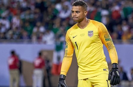 CHICAGO, IL - JULY 07: United States goalkeeper Zack Steffen (1) looks on during the CONCACAF Gold Cup final match between the United States and Mexico on July 07, 2019, at Soldier Field in Chicago, IL. (Photo by Robin Alam/Icon Sportswire) SOCCER: JUL 07 CONCACAF Gold Cup Finals - USA v Mexico PUBLICATIONxINxGERxSUIxAUTxHUNxRUSxSWExNORxDENxONLY Icon164070119113