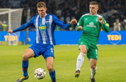 GER, 1.FBL, Hertha BSC Berlin vs SV Werder Bremen / nph00001, 16.02.2019, Olympiastadion, Berlin, GER, 1.FBL, Hertha BSC Berlin vs SV Werder Bremen, DFL REGULATIONS PROHIBIT ANY USE OF PHOTOGRAPHS AS IMAGE SEQUENCES AND/OR QUASI-VIDEO. im Bild Niklas Stark (Hertha BSC 05) Milot Rashica (Werder Bremen 11) *** GER 1 FBL Hertha BSC Berlin vs SV Werder Bremen nph00001 16 02 2019 Olympic Stadium Berlin GER 1 FBL Hertha BSC Berlin vs SV Werder Bremen DFL REGULATIONS PROHIBIT ANY USE OF PHOTOGRAPHS AS IMAGE SEQUENCES AND OR QUASI VIDEO Niklas Stark Hertha BSC 05 Milot Rashica Werder Bremen 11 nordphotoxKokenge nph00001