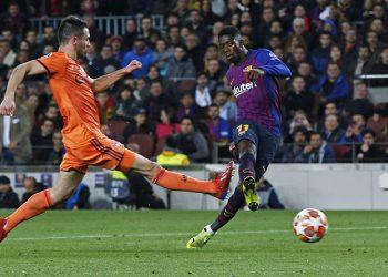 Ousmane Dembele vom FC Barcelona mit einer Chance gegen Olympique Lyon