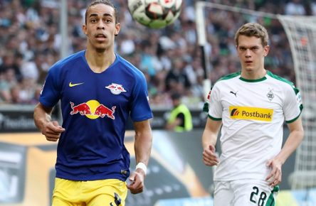 Moenchengladbach - RB Leipzig / Fussball Bundesliga Moenchengladbach, 20.04.2019, Borussia Park, BuLi, 30.Spieltag , VfL Borussia Mönchengladbach vs. RB Leipzig , Im Bild v.l.: Yussuf Poulsen (9, RB Leipzig) und Matthias Ginter (28, Borussia MG). , DFL regulations prohibit any use of photographs as image sequences and/or quasi-video. , *** Moenchengladbach RB Leipzig Soccer Bundesliga Moenchengladbach 20 04 2019 Borussia Park BuLi 30 matchday VfL Borussia Mönchengladbach vs RB Leipzig Im Bild v l Yussuf Poulsen 9 RB Leipzig and Matthias Ginter 28 Borussia MG DFL regulations prohibit any use of photographs as image sequences and or quasi video