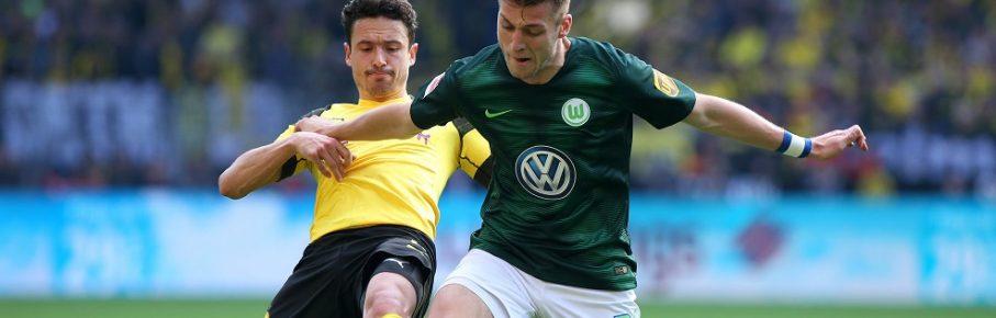 Dortmund vs VfL, 1. BL Dortmund, 30.03.2019, FUßBALL - Borussia Dortmund vs VfL Wolfsburg, 1. BL, Saison 2018/19, Signal Iduna Park. Bild zeigt: Thomas Delaney (Borussia Dortmund), Robin Knoche (VfL Wolfsburg) DFL REGULATIONS PROHIBIT ANY USE OF PHOTOGRAPHS AS IMAGE SEQUENCES AND/OR QUASI-VIDEO. Dortmund *** Dortmund vs VfL 1 BL Dortmund 30 03 2019 FOOTBALL Borussia Dortmund vs VfL Wolfsburg 1 BL Season 2018 19 Signal Iduna Park Picture shows Thomas Delaney Borussia Dortmund Robin Knoche VfL Wolfsburg DFL REGULATIONS PROHIBIT ANY USE OF PHOTOGRAPHS AS IMAGE SEQUENCES AND OR QUASI VIDEO Dortmund