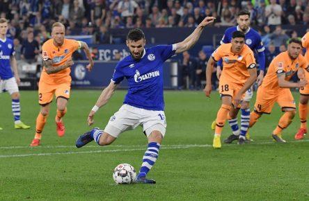 Daniel Caligiuri Elfmeter Schalke 04 Bundesliga Comunio Empfehlung Cropped