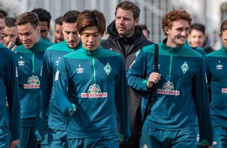 GER, 1.FBL, Training SV Werder Bremen / 02.04.2019, Trainingsgelaende am Weserstadion, Bremen, GER, 1.FBL, Training SV Werder Bremen im Bild Marco Friedl (Werder Bremen 32), Niklas Moisander (Werder Bremen 18), Kevin Möhwald / Moehwald (Werder Bremen 06), Yuya Osako (Werder Bremen 08), Florian Kohfeldt (Trainer SV Werder Bremen), Joshua Sargent (Werder Bremen 19), Ludwig Augustinsson (Werder Bremen 05), Jan-Niklas Beste (Werder Bremen 39), *** GER 1 FBL Training SV Werder Bremen 02 04 2019 Training area at Weserstadion Bremen GER 1 FBL Training SV Werder Bremen Marco Friedl Werder Bremen 32 Niklas Moisander Werder Bremen 18 Kevin Möhwald Moehwald Werder Bremen 06 Yuya Osako Werder Bremen 08 Florian Kohfeldt Trainer SV Werder Bremen Joshua Sargent Werder Bremen 19 Ludwig Augustinsson Werder Bremen 05 Jan Niklas Beste Werder Bremen 39 nordphotox/xEwert nph00301