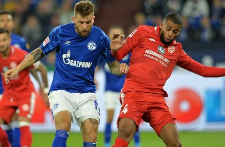 Gelsenkirchen, Germany 20.09.2019, 1. Bundesliga, 5. Spieltag, FC Schalke 04 - 1. FSV Mainz 05, Guido Burgstaller S04 und Jeremiah St. Juste M05 im zweikampf, battle for the ball  Gelsenkirchen Veltins-Arena North Rhine-Westphalia Germany eu-images-09-521-025052  Gelsenkirchen, Germany 20 09 2019, 1 Bundesliga, 5 Matchday, FC Schalke 04 1 FSV Mainz 05, Guido Burgstaller S04 and Jeremiah St Juste M05 in duel, battle for the ball Gelsenkirchen Veltins Arena North Rhine Westphalia Germany eu images 09 521 025052 eu-images-521 DFL regulations prohibit any use of photographs as image sequences and/or quasi-video.