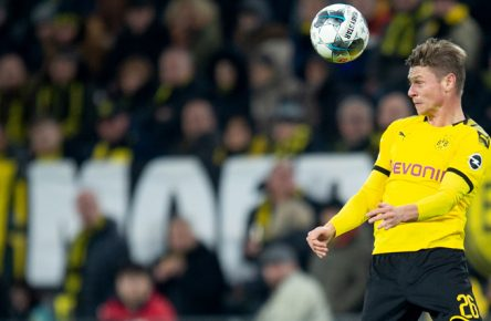 Lukasz Piszczek von Borussia Dortmund gegen den SC Paderborn