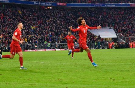 Joshua Zirkzee trifft zum Last-Minute-Sieg für den FC Bayern.