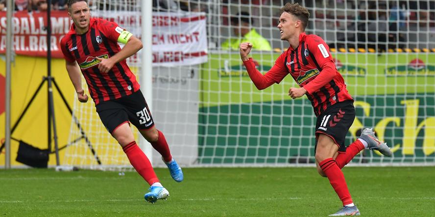 Luca Waldschmidt jubelt für den SC Freiburg