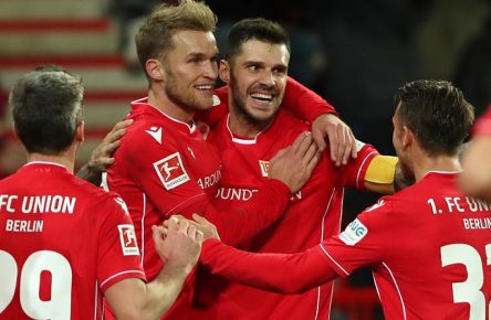 Sport Bilder des Tages Michael Parensen, Sebastian Andersson 1:0, Christopher Trimmel, Marcus Ingvartsen / Freude / Emotion / jubelnd / Jubel nach 1:0 / / Fußball Fussball / DFL Bundesliga Herren / Saison 2019/2020 / 08.12.2019 / 1.FC Union Berlin FCU vs. 1.FC Köln / DFL regulations prohibit any use of photographs as image sequences and/or quasi-video. / *** Michael Parensen, Sebastian Andersson 1 0, Christopher Trimmel, Marcus Ingvartsen joy emotion cheering cheering jubilation after 1 0 sports football football DFL Bundesliga mens season 2019 2020 08 12 2019 1 FC Union Berlin FCU vs 1 FC Cologne DFL regulations prohibit any use of photographs as image sequences and or quasi video