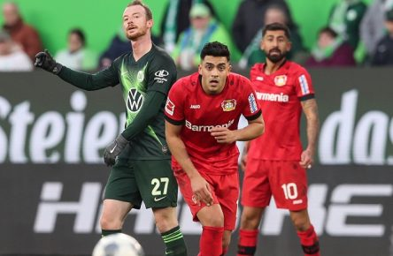 Nadien Amiri Bayer Leverkusen gegen Maximilian Arnold VfL Wolfsburg - 1. Fußball Bundesliga Saison 2019-2020 Punktspiel VfL Wolfsburg vs. Bayer Leverkusen in der Volkswagen Arena in Wolfsburg - Aktion,Fußball,Deutschland,10.11.2019 DFL REGULATIONS PROHIBIT ANY USE OF PHOTOGRAPHS AS IMAGE SEQUENCES AND OR QUASI-VIDEO *** Nadien Amiri Bayer Leverkusen vs. Maximilian Arnold VfL Wolfsburg 1 Soccer Bundesliga Season 2019 2020 Points match VfL Wolfsburg vs. Bayer Leverkusen at the Volkswagen Arena in Wolfsburg Action,Soccer,Germany,10 11 2019 DFL REGULATIONS PROHIBIT ANY USE OF PHOTOGRAPHS AS IMAGE SEQUENCES AND OR QUASI VIDEO