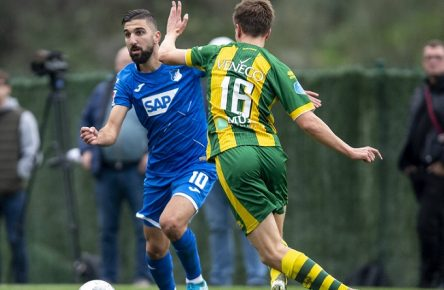 Fußball: Testspiele, Winter-Trainingslager 2020, TSG Hoffenheim - ADO Den Haag am 09.01.2020 auf der Anlage La Quinta Football Fields in Marbella Spanien. Den Haags Lorenzo van Kleef r. und Hoffenheims Munas Dabbur kämpfen um den Ball. DFL regulations prohibit any use of photographs as image sequences and/or quasi-video. *** Football test matches, winter training camp 2020, TSG Hoffenheim ADO Den Haag on 09 01 2020 at La Quinta Football Fields in Marbella Spain The Hague Lorenzo van Kleef r and Hoffenheims Munas Dabbur fight for the ball DFL regulations prohibit any use of photographs as image sequences and or quasi video Copyright: xKirchner-Mediax