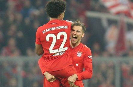 Torjubel von Serge Gnabry 22 FC Bayern Muenchen, Leon Goretzka 18 FC Bayern Muenchen zum 2:0, FC Bayern Muenchen vs. Borussia Dortmund, 1.Bundesliga, 09.11.2019, DFB regulations prohibit any use of photographs as image sequences and/or quasi-video Muenchen Bayern Deutschland *** Goal celebration by Serge Gnabry 22 FC Bayern Muenchen , Leon Goretzka 18 FC Bayern Muenchen to 2 0, FC Bayern Muenchen vs. Borussia Dortmund, 1 Bundesliga, 09 11 2019, DFB regulations prohibit any use of photographs as image sequences and or quasi video Muenchen Bayern Deutschland Copyright: xkolbert-press/ChristianxKolbertx