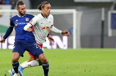 02.10.2019, Fussball UEFA Champions League 2019/2020, Gruppenphase, 2.Spieltag, RB Leipzig - Olympique Lyon, in der Red Bull Arena Leipzig. L-R Lucas Tousart Olympique Lyon gegen Yussuf Poulsen RB Leipzig DFL and DFB regulations prohibit any use of photographs as image sequences and/or quasi-video.  02 10 2019, football UEFA Champions League 2019 2020, group stage, 2 matchday, RB Leipzig Olympique Lyon, in the Red Bull Arena Leipzig L R Lucas Tousart Olympique Lyon vs. Yussuf Poulsen RB Leipzig DFL and DFB regulations prohibit any use of photographs as image sequences and or quasi video